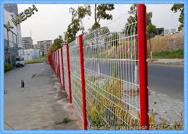10 Gauge Triangle Curved Metal Fence 3d Wire Mesh Fence Black Pvc Coated Sgs Approved