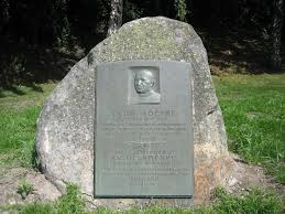File:Knute Rockne memorial.jpg - Wikimedia Commons