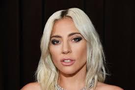 Lady Gaga con il nuovo fidanzato al Super Bowl: le foto