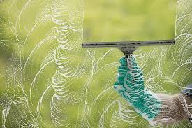 clean windows without leaving streaks