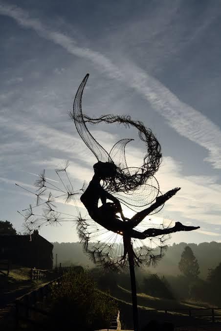 """Resultado de imagen de mujer danzando con el viento"""""""