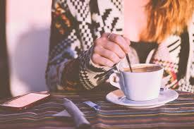 quote setjangkir kopi untuk kamu yang lagi sendiri bisa jadi