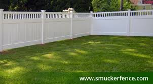 How To Choose The Right Color Style For Your Fencing Smucker Fence