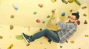 How This Dad Built A Rock Climbing Wall In His Kids Room Diy Ways