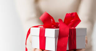 50 thoughtful gift ideas gestures for