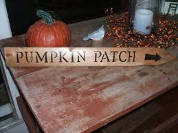 Made This Sign Pumpkin Patch From My Old Wood Fence Picket New Way For Me To Repurpose My Fence Measures 23 Long Country Wood Signs Wood Signs Rustic Crafts