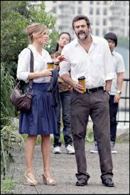 Hilary Swank et Jeffrey Dean Morgan sur le tournage du film The Resident. -  Purepeople