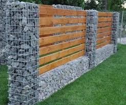 20 Marvelous Stone Fence Design Ideas For Front Yard Designerjewelry Gardeningtips Gardenfence Backyard Fences Fence Design Diy Garden Fence