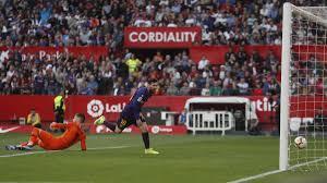 Spagna, Siviglia-Barcellona 2-4: Messi extraterrestre, tripletta n ...