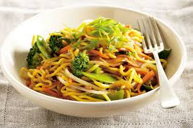 chinese egg noodle and vegetable stir fry