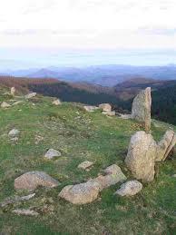 monumentos megaliticos listorreta bilaketarekin bat datozen irudiak