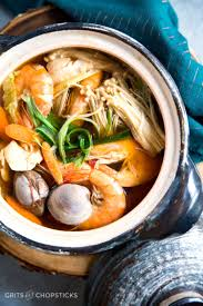 Japanese donabe clay pot seafood soup ...