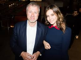 Dasha Zhukova Has Split with the Russian Oligarch Roman Abramovich—and  Already Found a Much Better Billionaire's Yacht | W Magazine | Women's  Fashion & Celebrity News