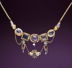 jewelry in ancient greece materials
