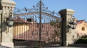 10 Beautiful Wrought Iron Gate Designs With Pictures