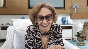 Fernanda Montenegro quebra a internet ao homenagear Laura Cardoso na Globo