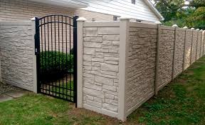 Simtek Ecostone Fence W Arched Top Aluminum Gate This Is One Of The Most Beautiful Combinations You Can Get Backyard Fence Decor Fence Design Backyard Fences