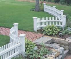 Home Remodeling Improvement Scalloped White Picket Fence Vinyl Too Great Design Ideas Front Yard Landscaping Fence Design Backyard