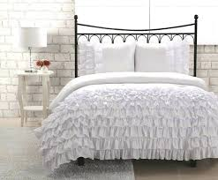 c and white bedding black linen