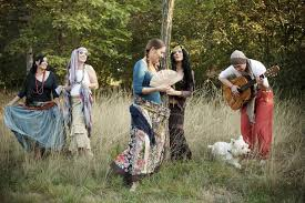 what do pagans wear is there a pagan
