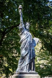 statue of liberty in luxembourg gardens