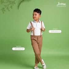 Quần dài kaki bé trai thanh lịch với màu nâu trung tinh kết hợp đẹp với các  áo sơmi tay ngắn cũng như tay dài rất đẹp, bé trai mặc đ…