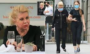 Ivana Trump, 71, dines out alone and visits a hair salon in New York |  Daily Mail Online