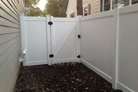 Vinyl Pvc Fences First Fence Pvc Fence Vinyl Fence Privacy Fences