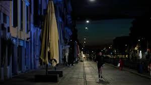 Il coprifuoco a Milano c'è ma non si dice