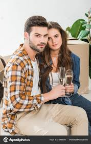 Couple Love Glasses Champagne New House Cardboard Boxes Moving Home — Free  Stock Photo © AndrewLozovyi #210686346