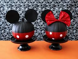 DIY Minnie Mouse | Mickey mouse pumpkin, Minnie mouse pumpkin ...