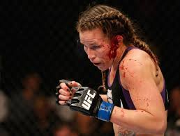 WARNING: GRAPHIC IMAGE** Female MMA fighter Leslie Smith has ear  half-ripped off - Eurosport