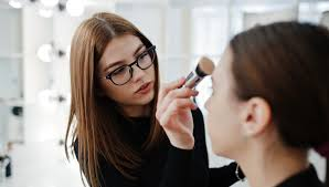 how to choose a wedding make up artist