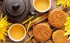 Mid-Autumn Festival - Be completed with moon cakes