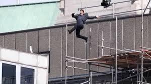 Tom Cruise injured in movie stunt fall - CNN Video