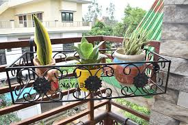 Nayab Iron Flower Design Hanging Baskets Flower Pot Plant Stand Holder Without Pots For Railing Fence Balcony Garden Home Indoor Outdoor Tub 1 Pc 54 X 14 X 20 Cm Amazon In Garden Outdoors