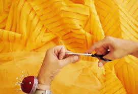 6 tipos de Costureira(o): Conheça quem faz a moda acontecer de ...