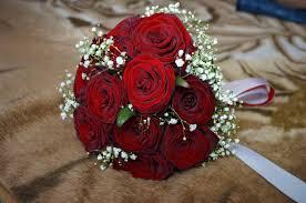بوكيه ورد احمر باقة زهور حمراء كلام نسوان