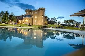 Book Tafaria Castle in Ndaragwa | Hotels.com