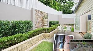 tips on how to design a wall fence