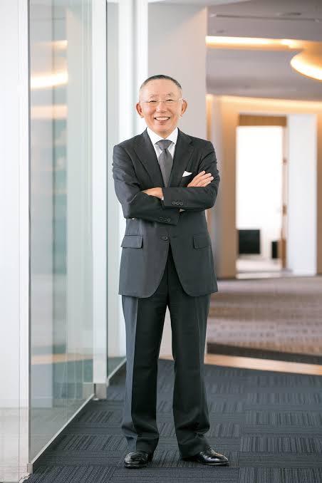 تاداشي ياناي، أغتى رجال اليابان ومؤسس سلسلة يونيكلو