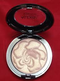 alexis vogel after glow highlighter in