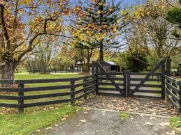 Peaceful Private And The Perfect Lifestyle Driveway Fence Farm Gate Entrance Farm Gates Entrance