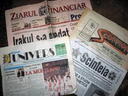 Foto: Adrian Murăriţa a colecţionat peste 7.000 de ziare şi ...