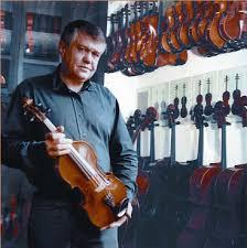 Max Strohmer Gitarrenbaumeister