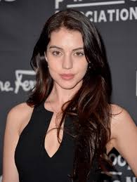 All About 'Reign' Star Adelaide Kane – CW44 Tampa Bay