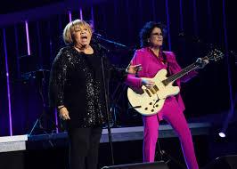 "Guitar Center on Twitter: "".@mavisstaples joins @therevolution for ""Purple  Rain"" and Wendy Melvoin (@wendyandlisa) rocks the epic solo!  #GRAMMYPrinceSalute… https://t.co/WUVCl07KBQ"""