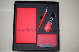 custom logo embossed leather gifts set