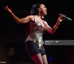 Cindy Herron of En Vogue performs live ...