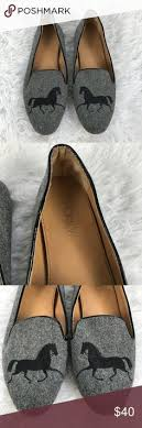 J. Crew Addie Gray Gallop Horse Flannel Loafers 6 DESCRIPTION These  adorable flats by J. Crew are in excellent used cond… | Loafers, Loafer  flats, Flat shoes women